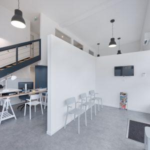 Rénovation et aménagement intérieur - entrée du cabinet de kinésithérapeute