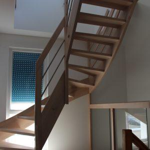 Extension et rénovation - escalier menant au grenier réaménagé